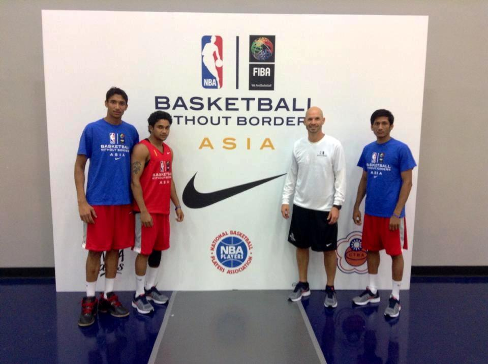 NBA's Troy Justice with India's Basketball Without Borders (BWB) campers. Photo credits: Mr Troy Justice.