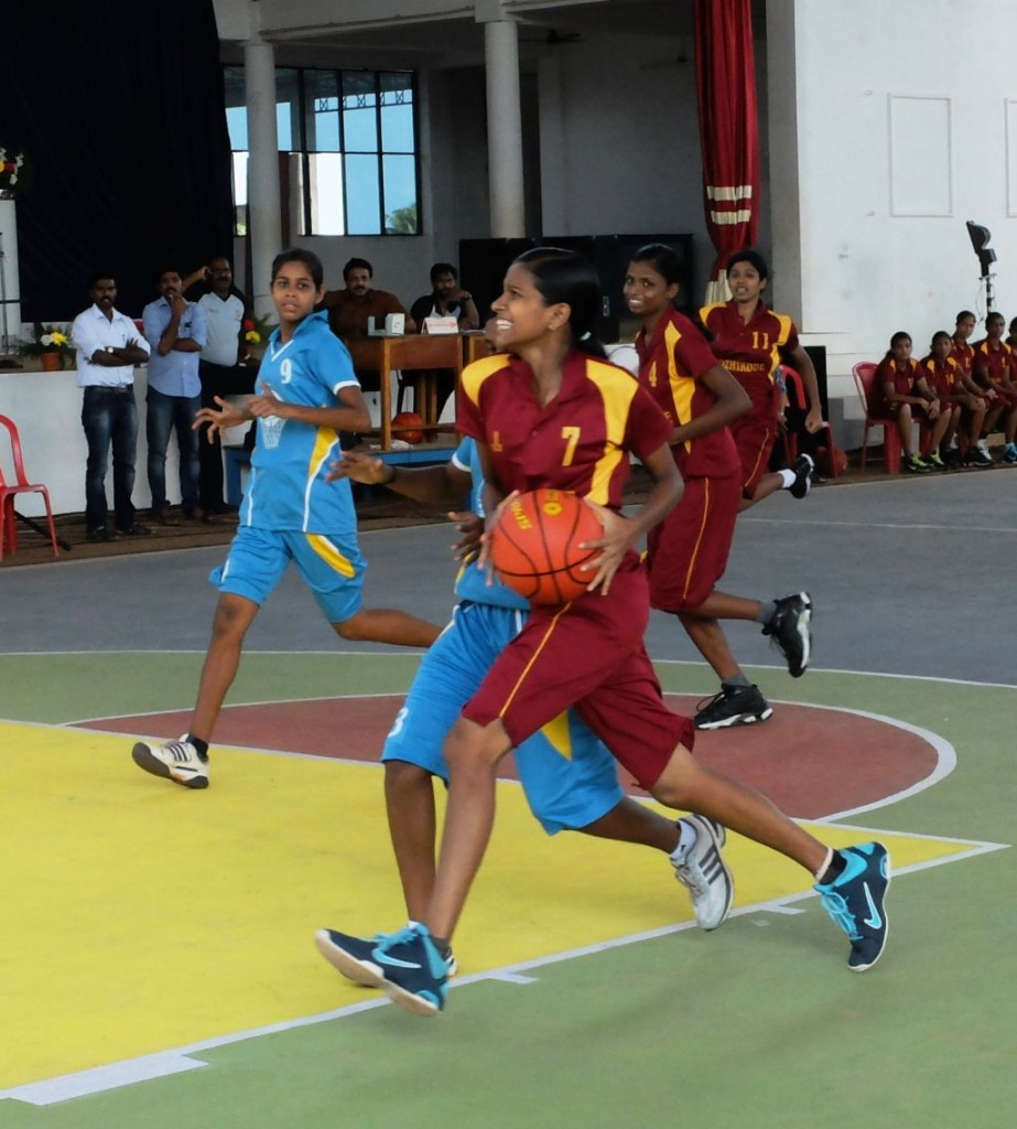 Anusha IP for Kozhikode against Pathanamthitta at the State youth Basketball Irinjalakuda.