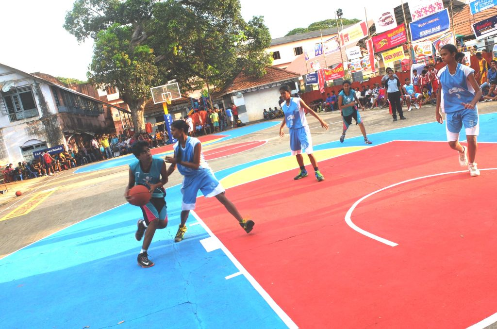 Kavitha for Kottayam against Kollam in the 3 on 3 Basketball being held in Alapuzha.